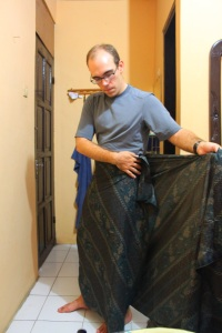 Daragh wasn't quite convinced that a sarong was the solution to the holiday wardrobe crisis